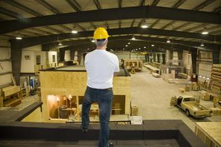 Foreman Warehouse Man Housing_000008020010medium