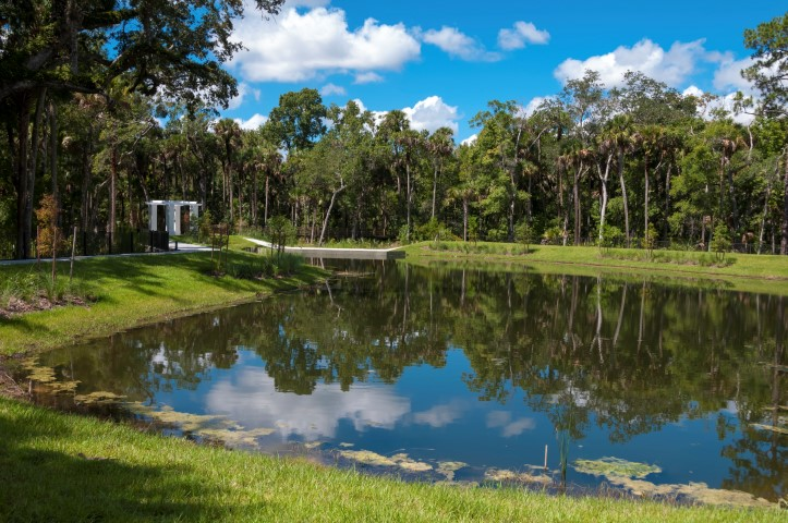 Water retention and detention ponds for Design of stormwater ponds